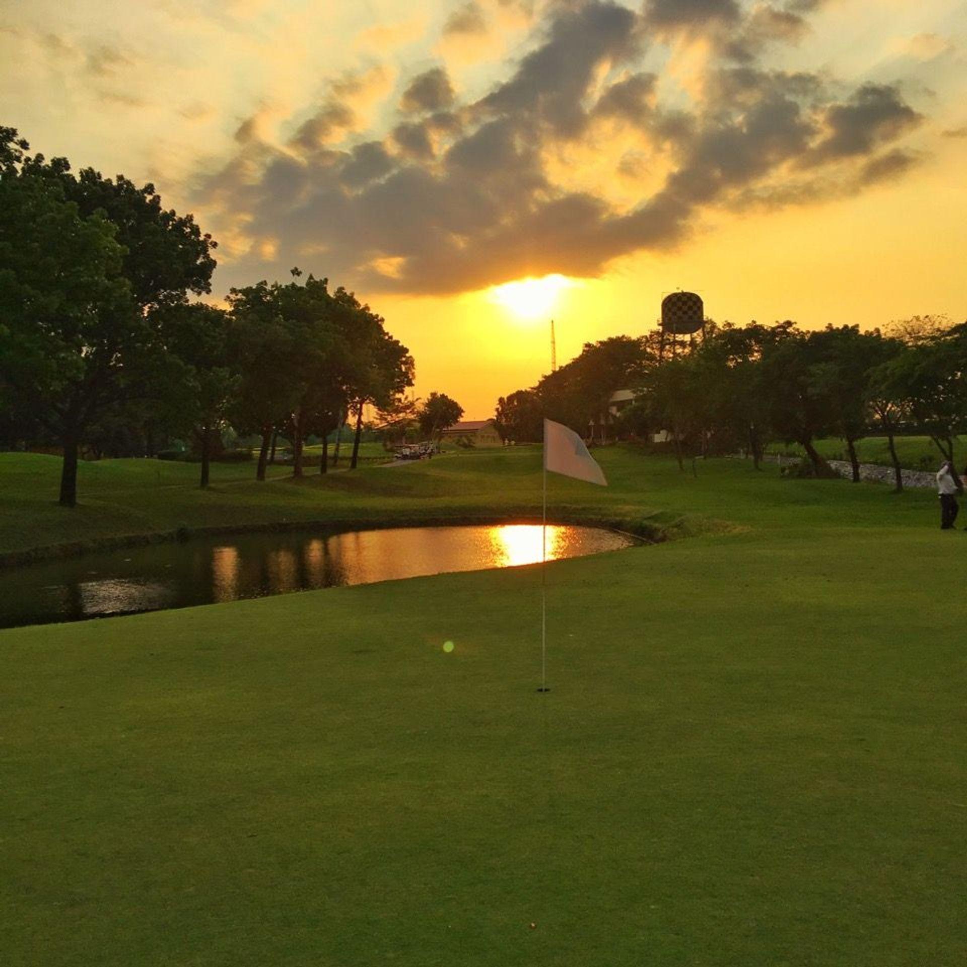 マニラゴルフ場予約 メジャートーナメントが多数開催☆ビリャモール・ゴルフクラブ