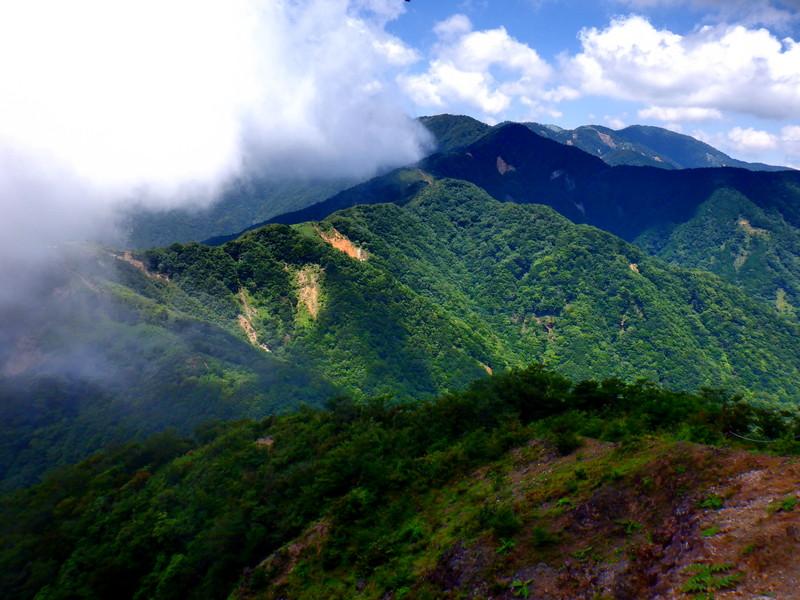 【丹沢三ノ塔 個人ガイド】 登山ガイドと少人数で、近郊の絶景登山へ