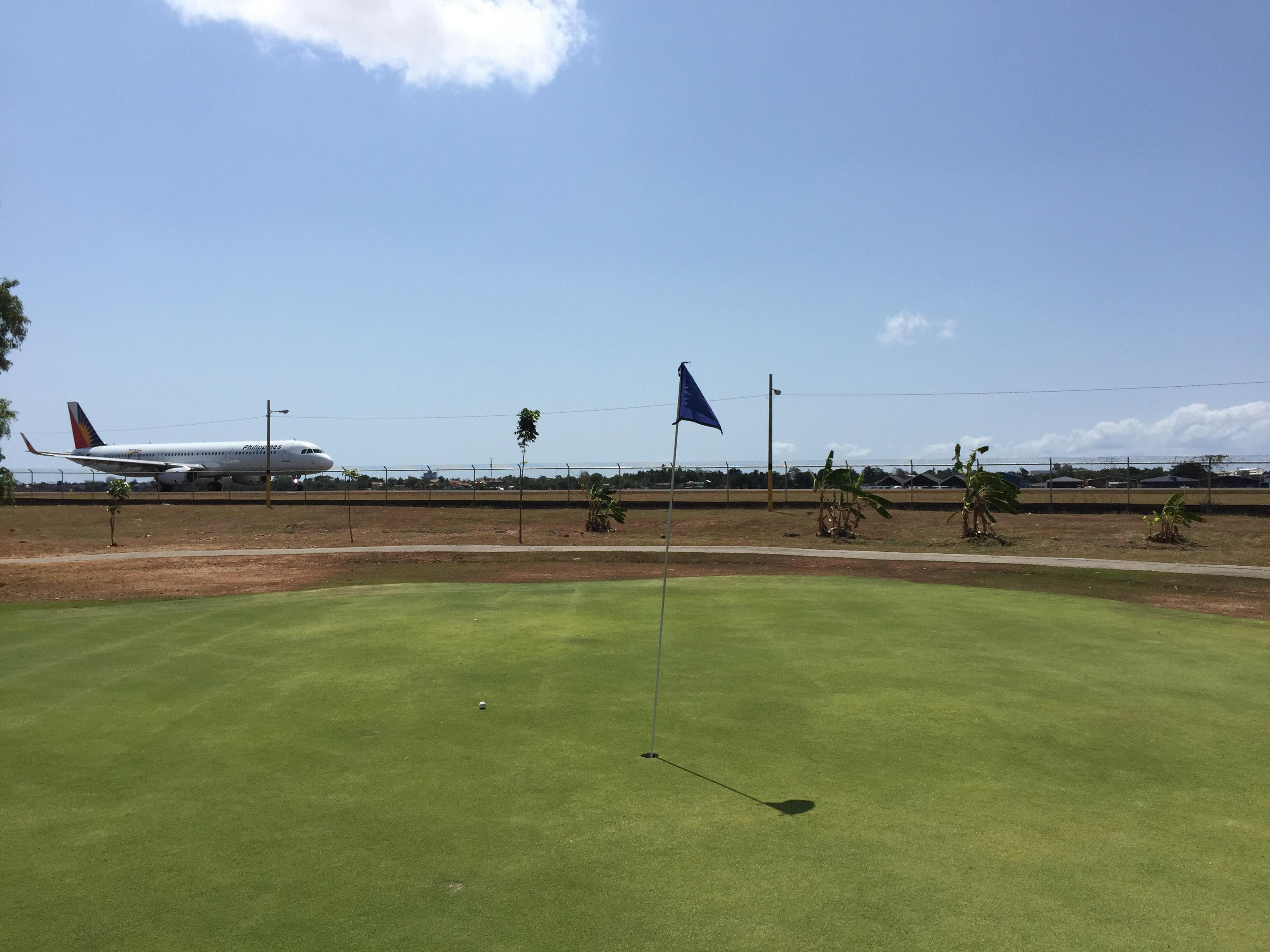マクタン アイランド ゴルフクラブ