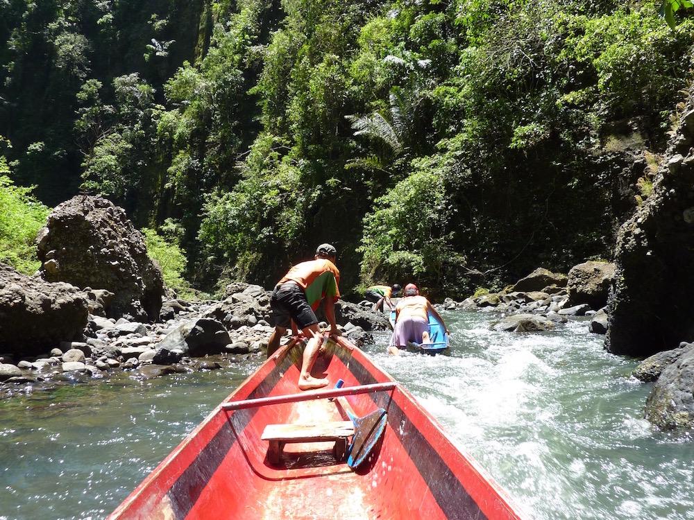 マニラ郊外ツアー スリル満点の川下り&滝つぼイカダ!☆パグサンハンツアー