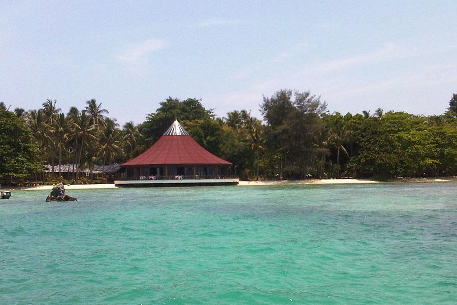 ジャカルタから約2時間プラウスリブにあるパンタラ島1泊2日(週末のみ催行)