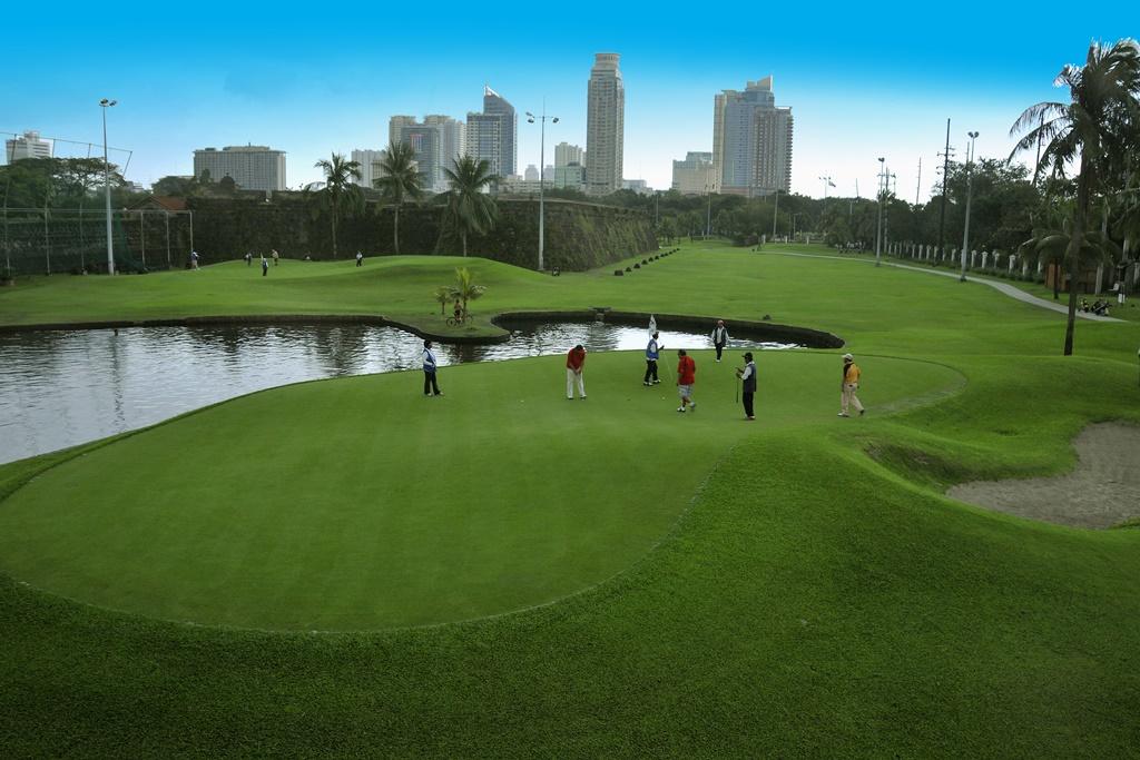 マニラゴルフ場予約 マニラの中心でゴルフ三昧☆イントラムロス・ゴルフコース